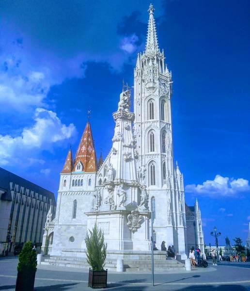 マーチャーシュ聖堂の全景