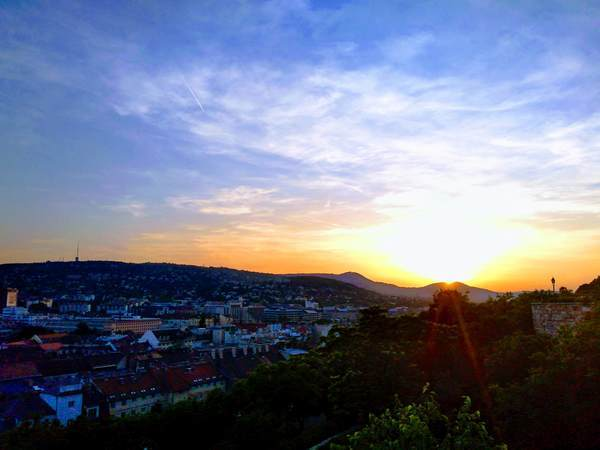 王宮の丘から夕日鑑賞