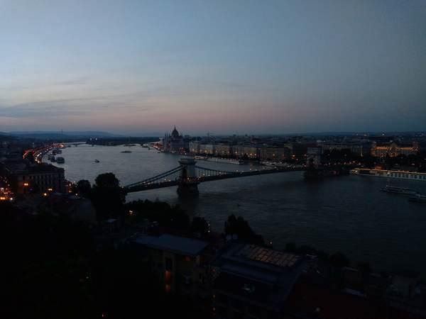 ドナウ川の夕方の景色