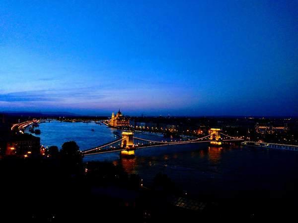 ドナウ川の夕方の絶景