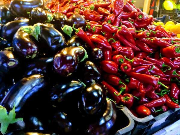ハンガリーの色とりどりの野菜