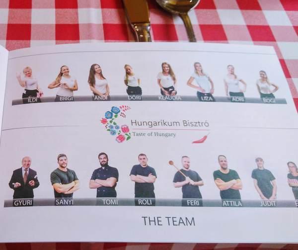 Hungarikum Bisztróのスタッフ