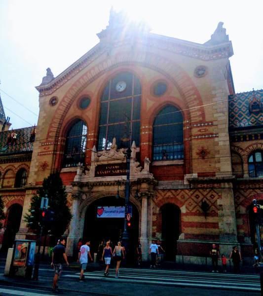 ブダペスト中央市場の外観