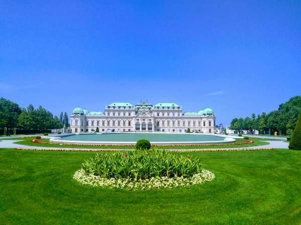 ベルヴェデーレ宮殿の外観