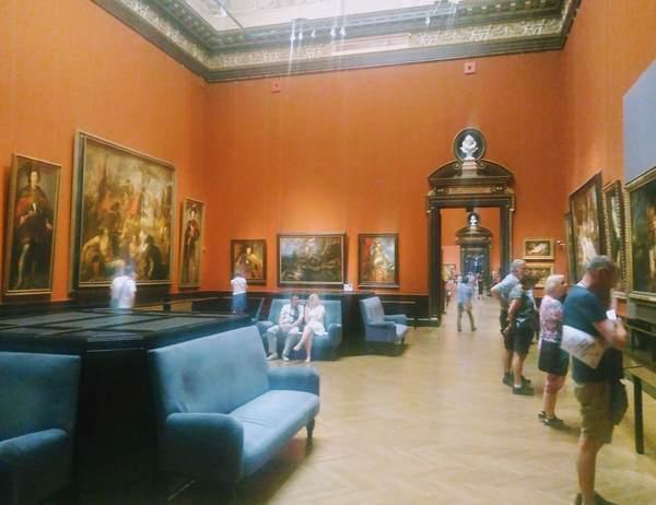 ルーベンスの絵画フロア
