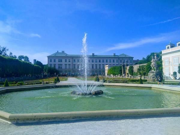 ミラベル宮殿の噴水