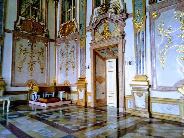 ミラベル宮殿の内部