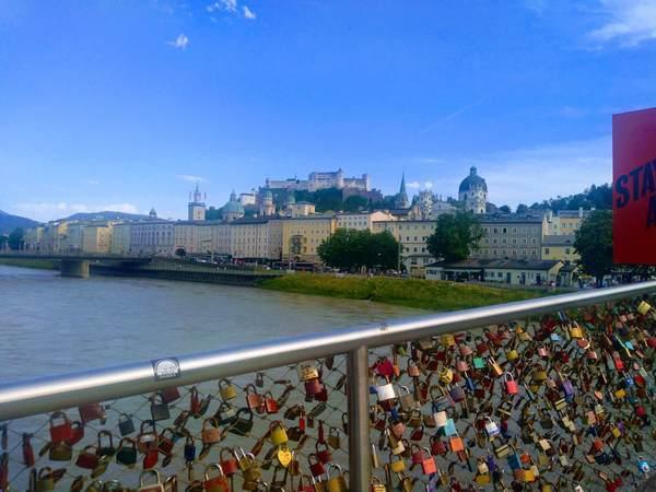 マカルト橋から見たホーエンザルツブルク城