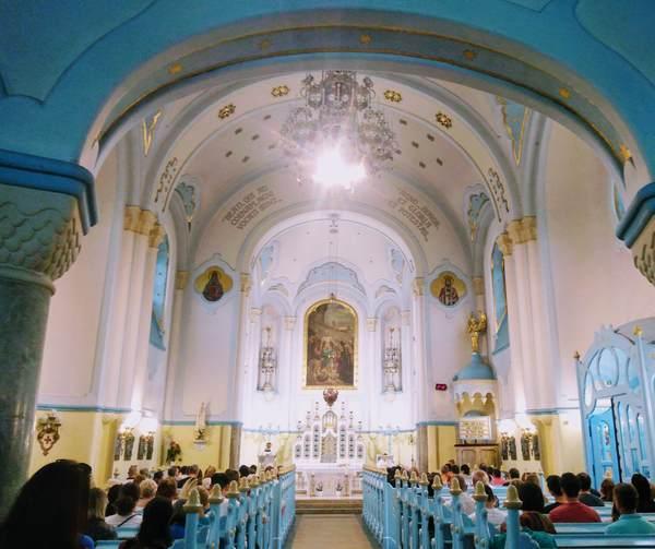 聖エリザベス教会の内観