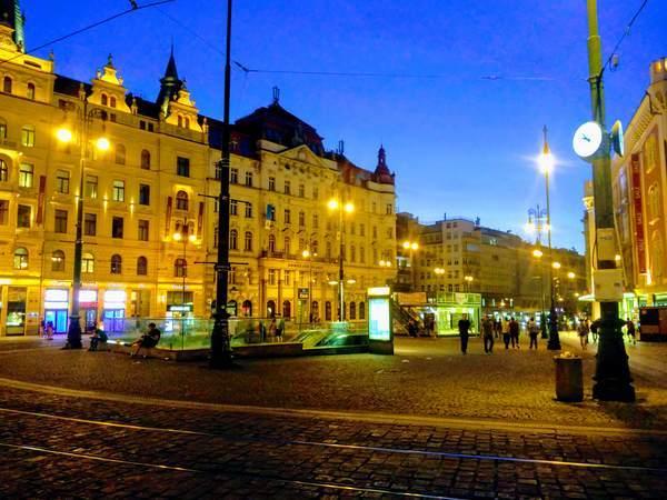 プラハ繁華街の中心部