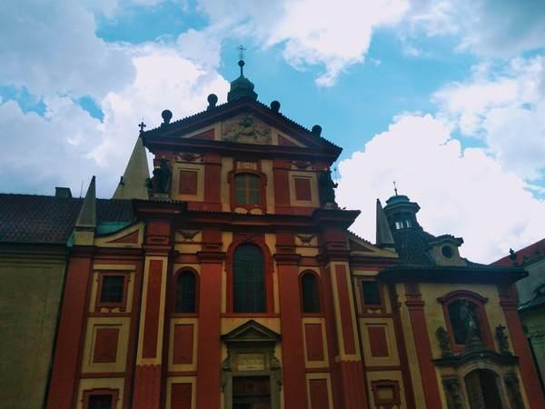 聖イジー聖堂の外観