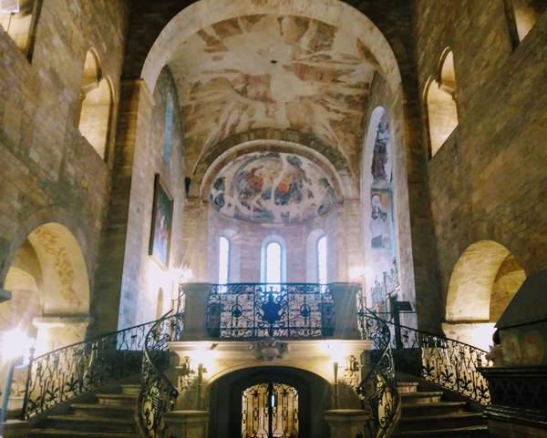 聖イジー聖堂の内観2