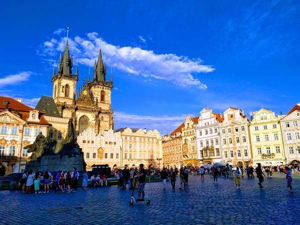 プラハ旧市街広場の外観