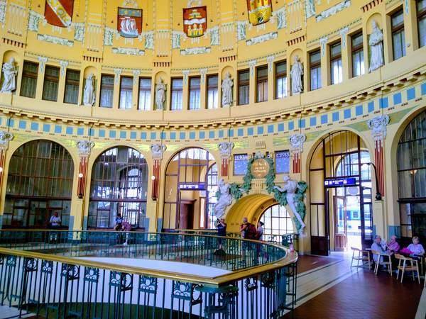 プラハ中央駅の構内