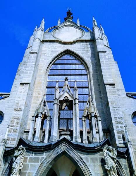 聖母マリア大聖堂の正面