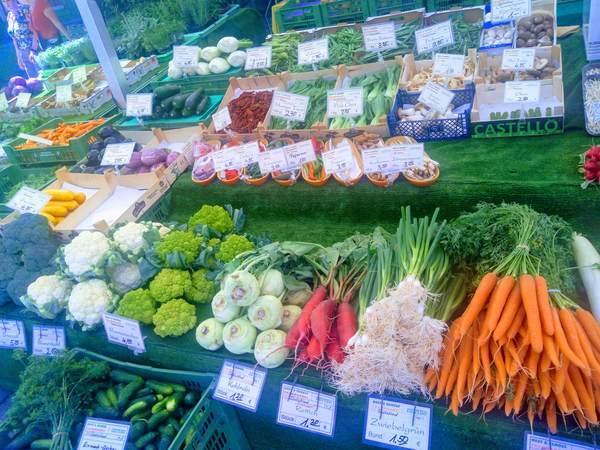 ヴィクトアリエンマルクトの野菜売り場