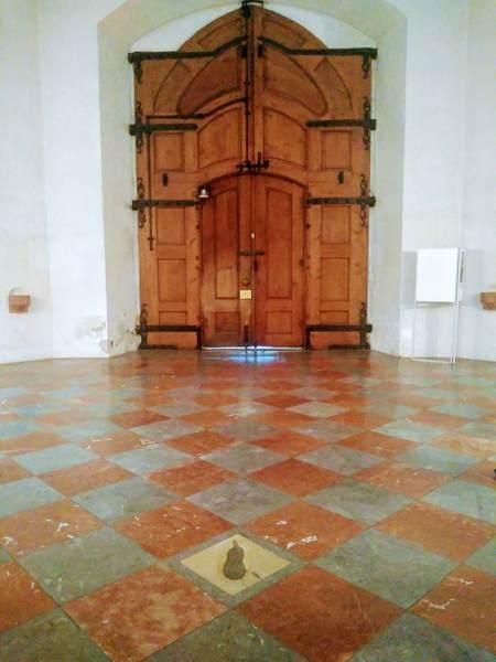 フラウエン教会にある悪魔の足跡