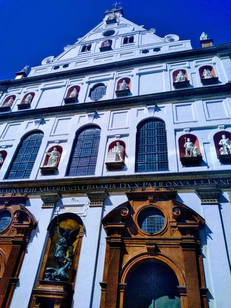ミュンヘンの聖ミヒャエル教会の外観