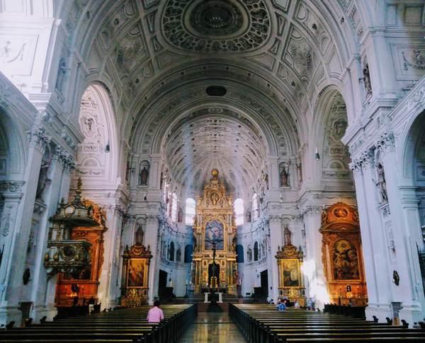 ミヒャエル教会の内部