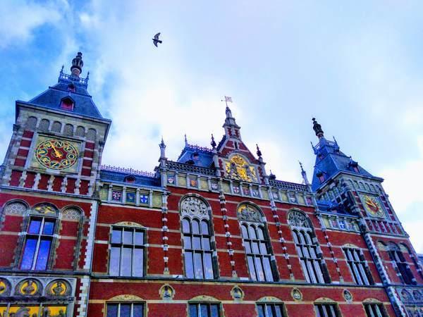 アムステルダム中央駅の外観