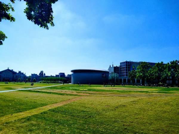 アムステルダム市のミュージアム広場