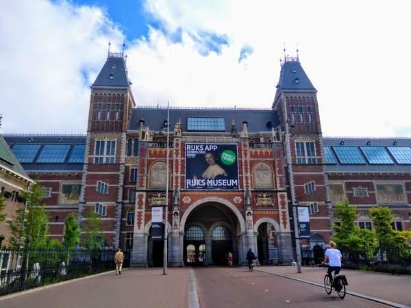 アムステルダム国立美術館の外観