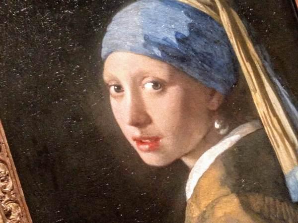真珠の耳飾りの少女のアップ フェルメール