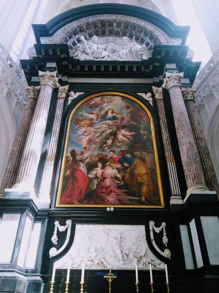 ルーベンスの絵画「聖母被昇天」
