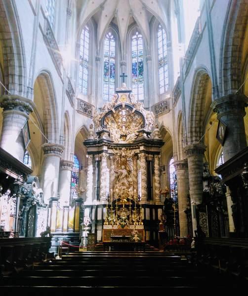 アントワープにある聖ヤコブ教会の雰囲気