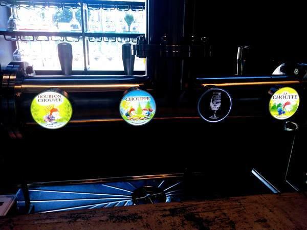 デ・コーニンク醸造所にあるビールサーバー