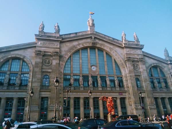 フランス北駅の建物の外観