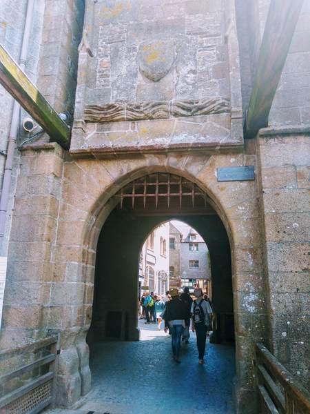 モンサンミッシェルの王の門