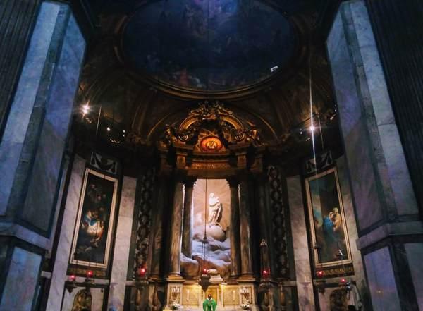 サン・シュルピス教会の聖母マリアの礼拝堂