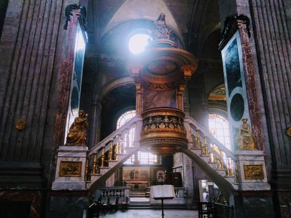 サン・シュルピス教会の説教壇