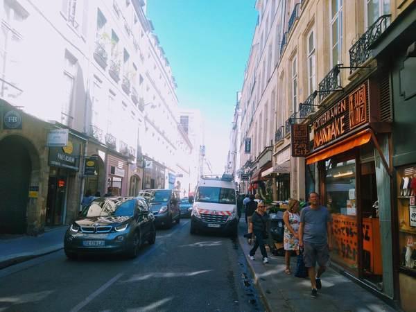 パリ市内にある日本食ラーメン屋