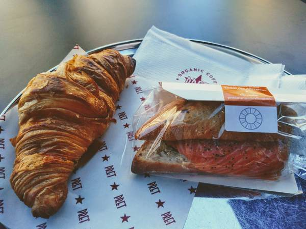 パリで売っているフランスパン