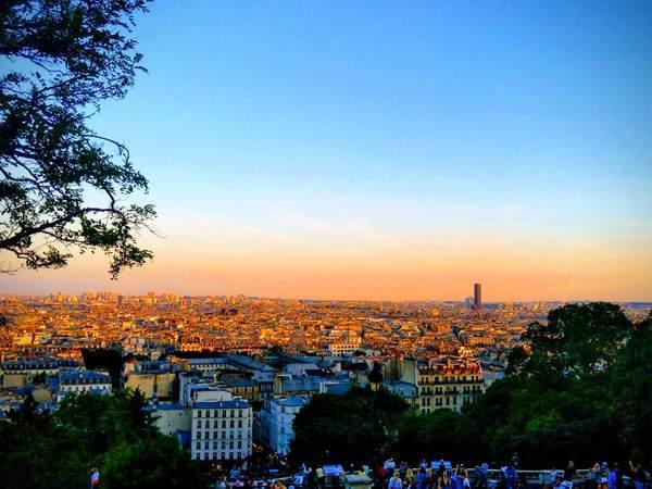 サクレクール寺院からパリ市内を望むサンセット鑑賞