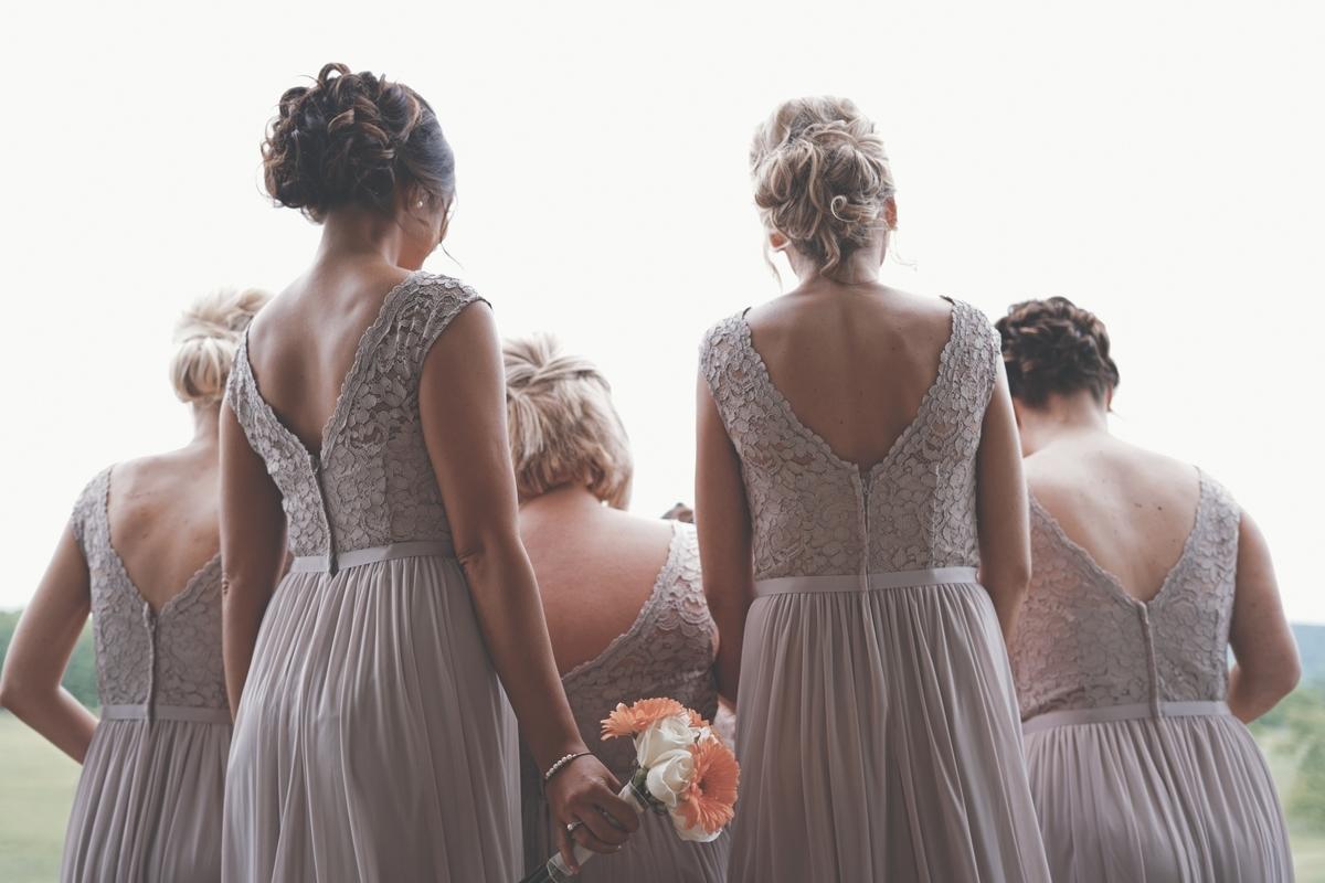 結婚式 お呼ばれ コーディネート 羽織り