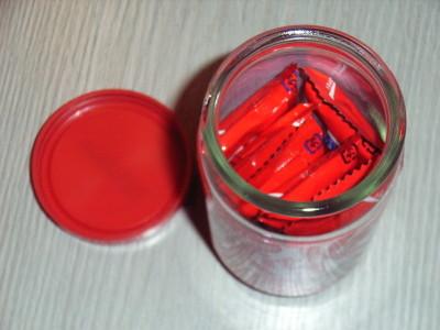 KitKat缶の中身はKitKatチョコの詰め合わせ
