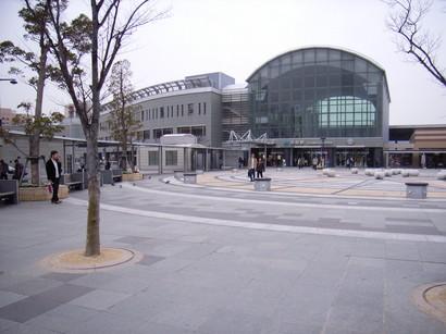 高知駅前の広場