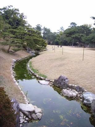 水路と芝生@栗林公園