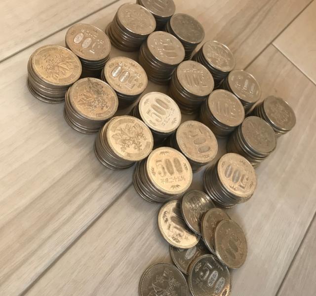 綺麗に並んだ500円玉