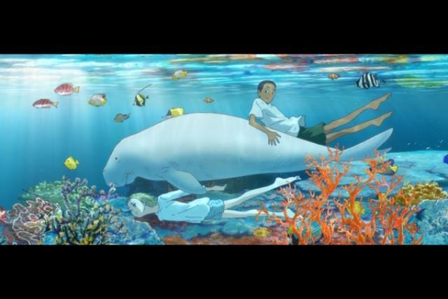 ジュゴンと泳ぐ少年・空と海
