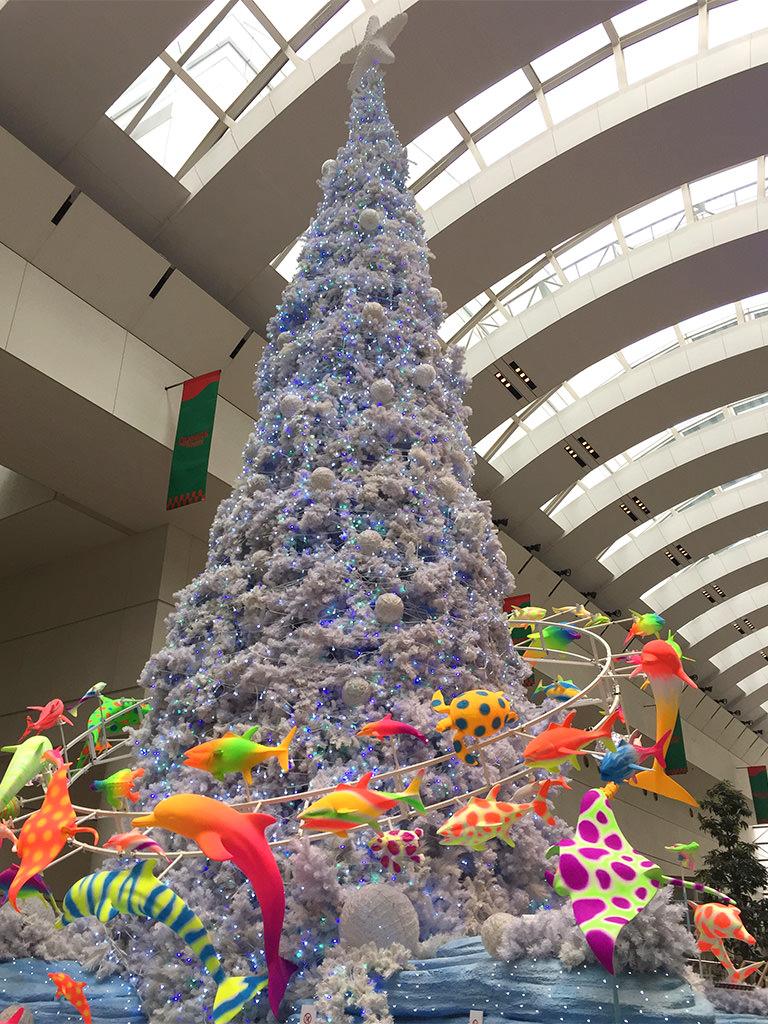クイーンズスクエア横浜の魚ツリー