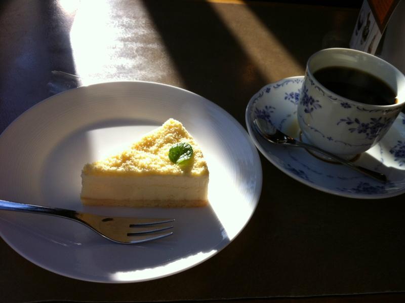 ベイクドレアチーズケーキ&コーヒー