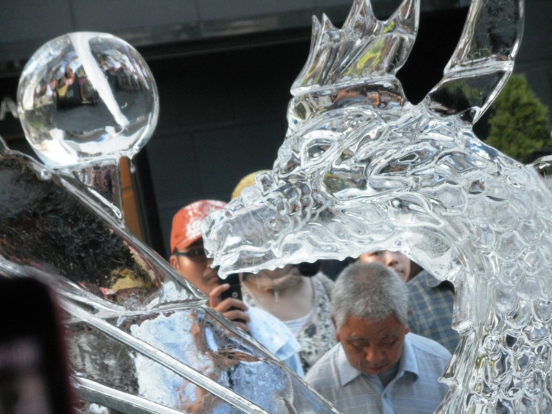 2012/08/03/氷の彫刻「ドラゴン」3