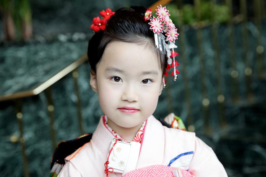 東京都・文京区にて、7歳の女の子の七五三を出張撮影させていただきましたので、一部をご紹介いたします。