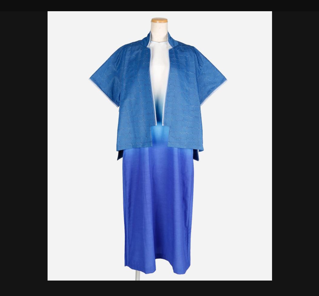 東京オリンピックメダル授与式衣装