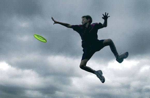action-frisbee