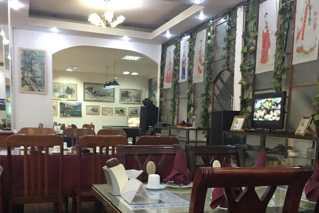 北朝鮮レストラン内部